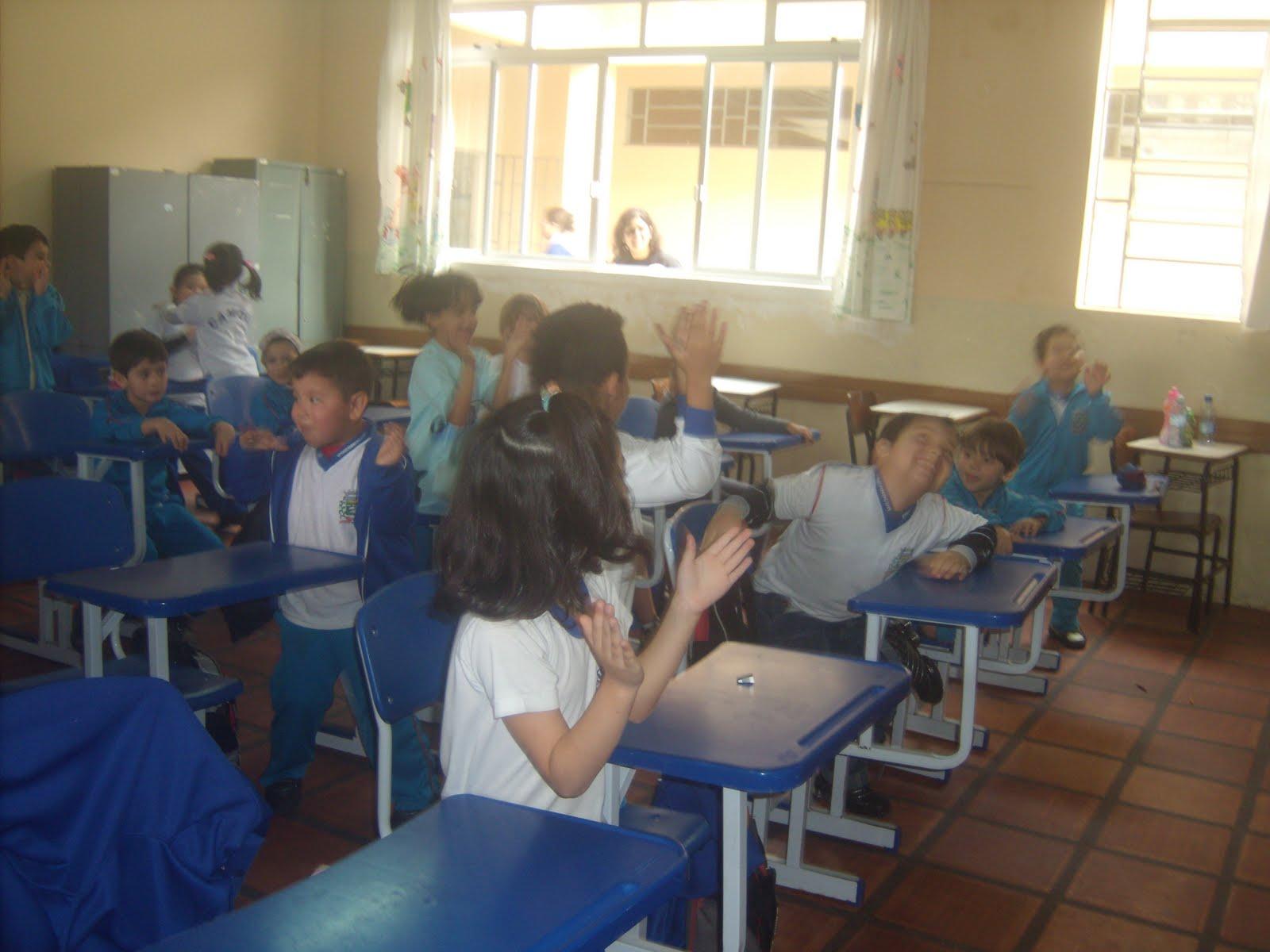 Luiz Vaz de Camões : Culinária na Educação Infantil Pré Escolar #273B64 1600 1200