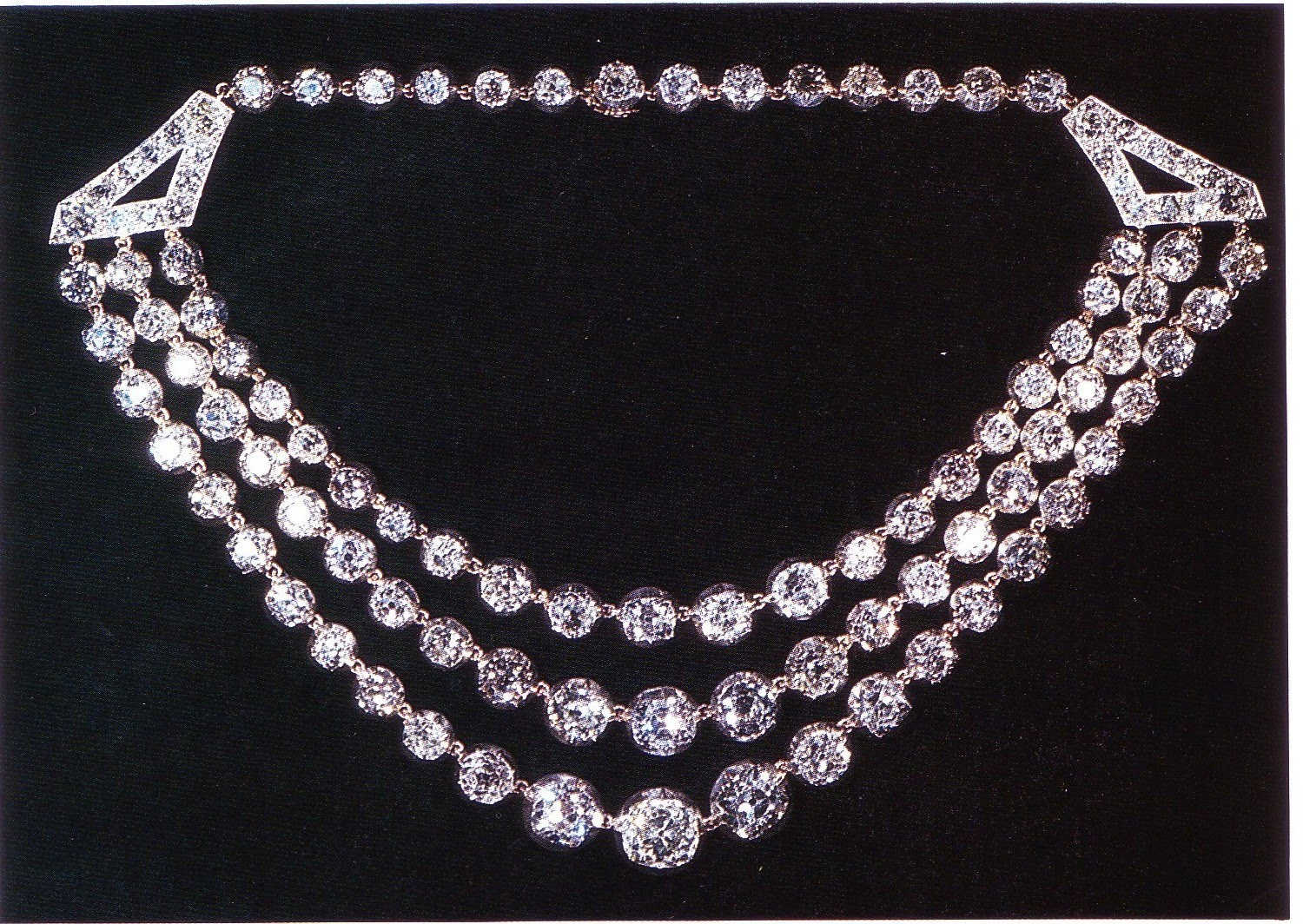 "the diamond necklace How does the literary work comment on the capitalist system does it support that system or criticize it i believe that ""the diamond necklace"" upholds the."