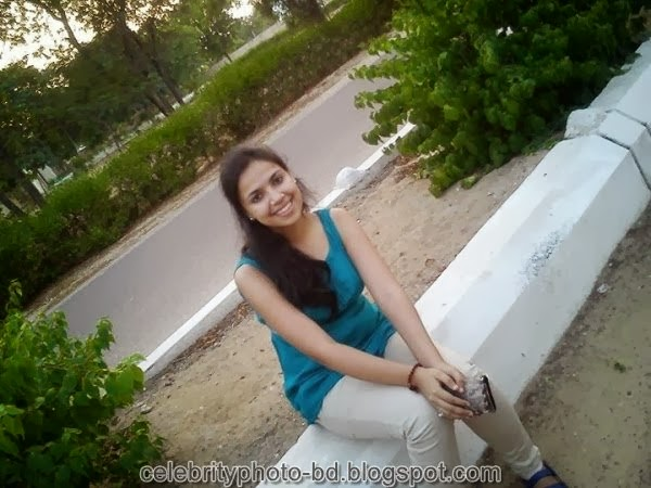 Deshi+girl+real+indianVillage+And+college+girl+Photos080