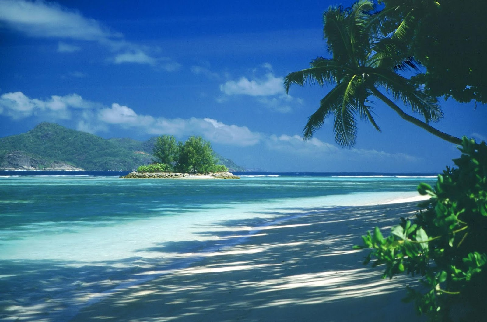 Seychelles world top beaches for vacations world for for Best tropical beach vacations