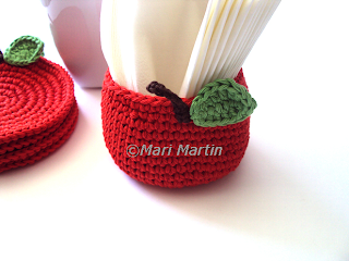 Crochet Napkin Holder Apple