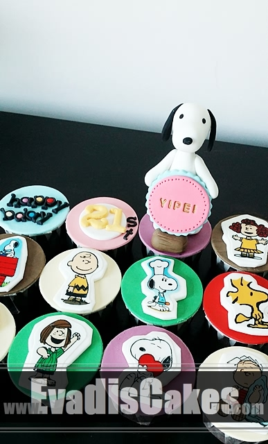 Closer view picture of Snoopy cupcakes with edible image