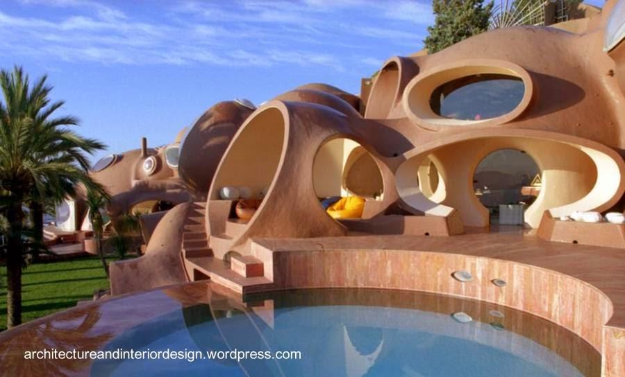 Casa orgánica de Pierre Cardin en Francia