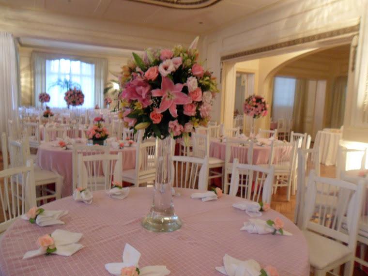 ... florais da autoria de Camilla Cagli # decoracao casamento tons de rosa