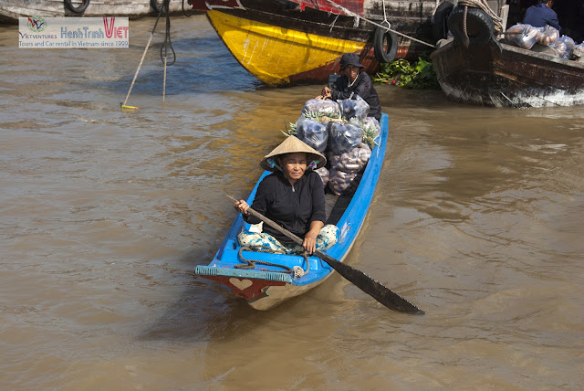Visiting Cai Rang floating market with daily life