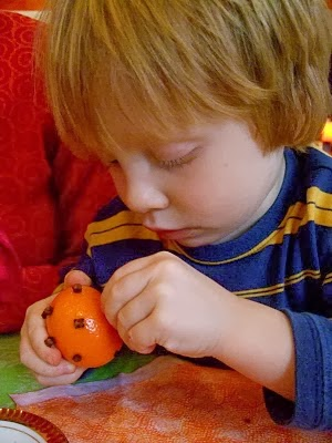 Make a Pomander Ball with Your Young Child