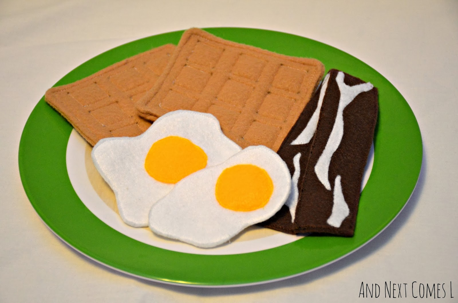 Felt play food: waffles, bacon, and eggs - includes links to tutorials from And Next Comes L