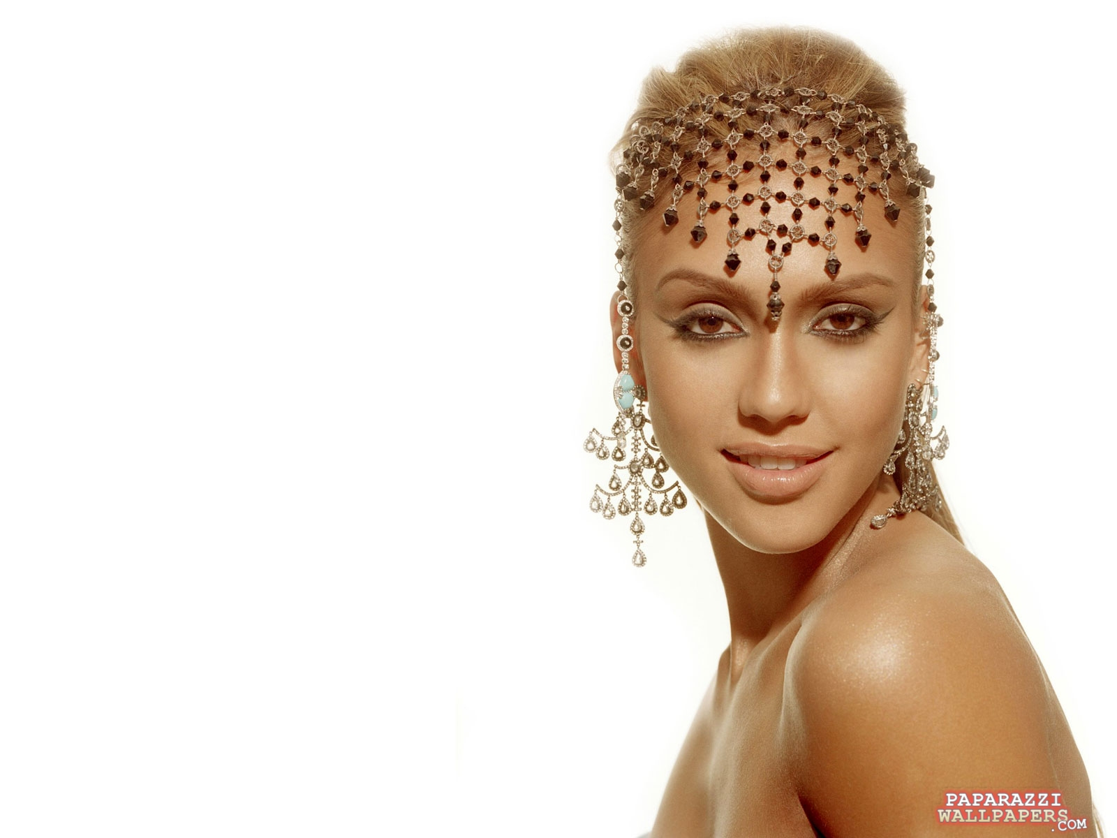 Download this Jessica Alba Style picture