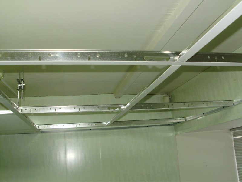 Как сделать подвесной потолок своими руками из пластика
