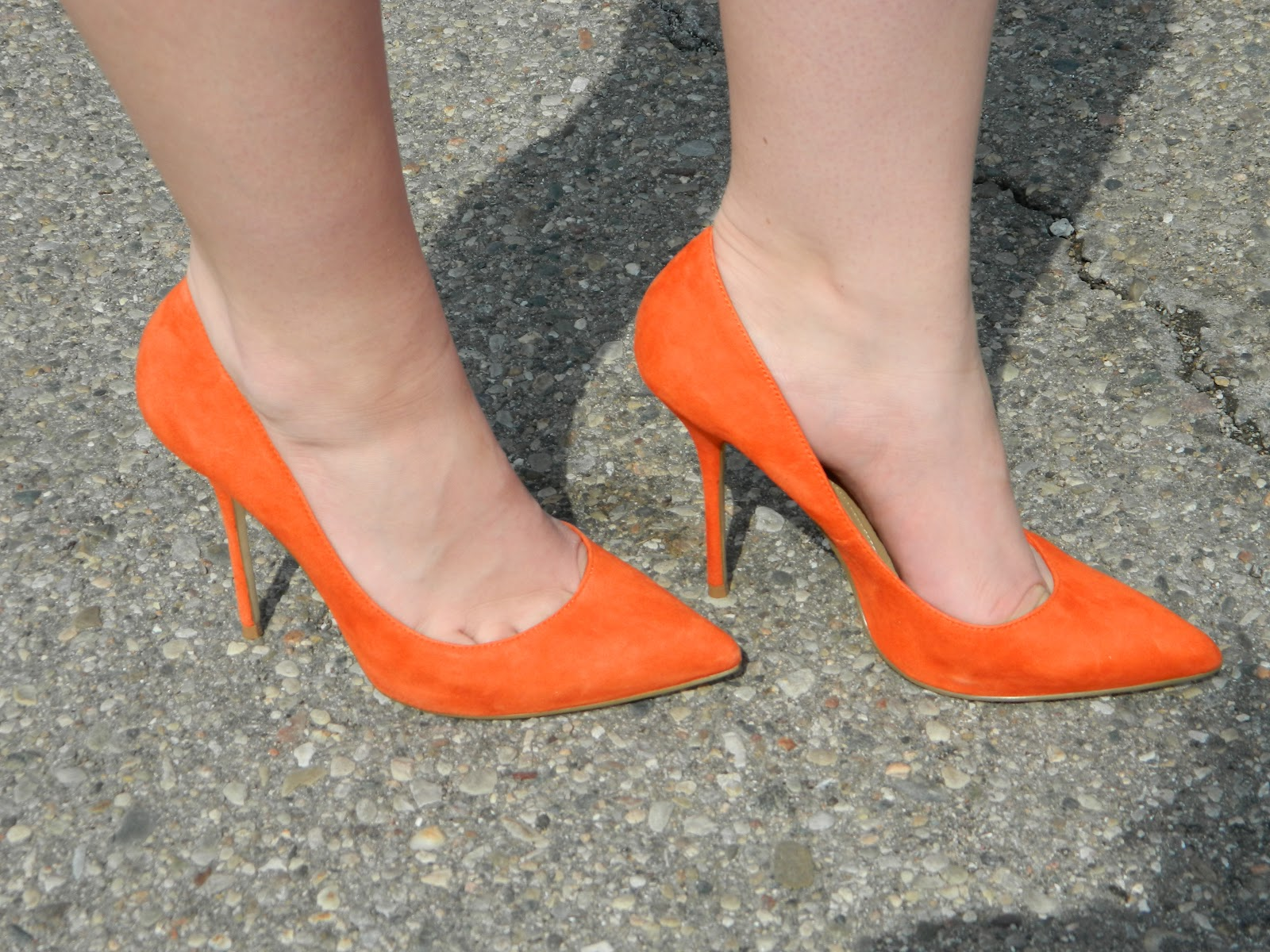 aldo orange pumps