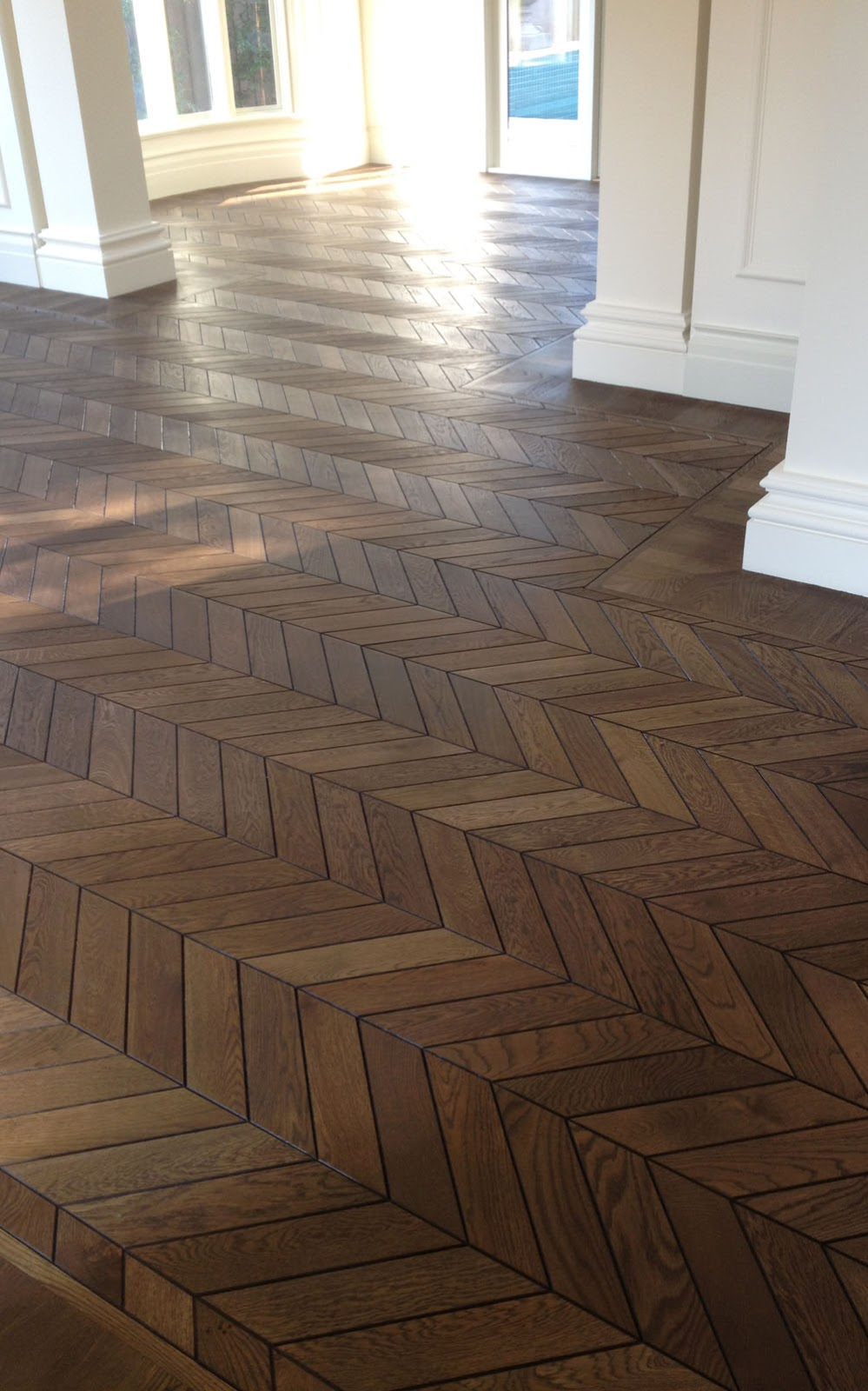 french oak chevron parquet renaissance parquet. Black Bedroom Furniture Sets. Home Design Ideas