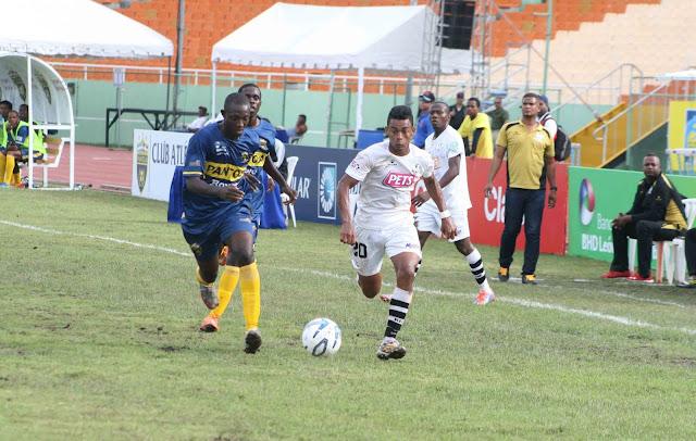 Boucicout inmenso en victoria del Moca FC frente al Pantoja