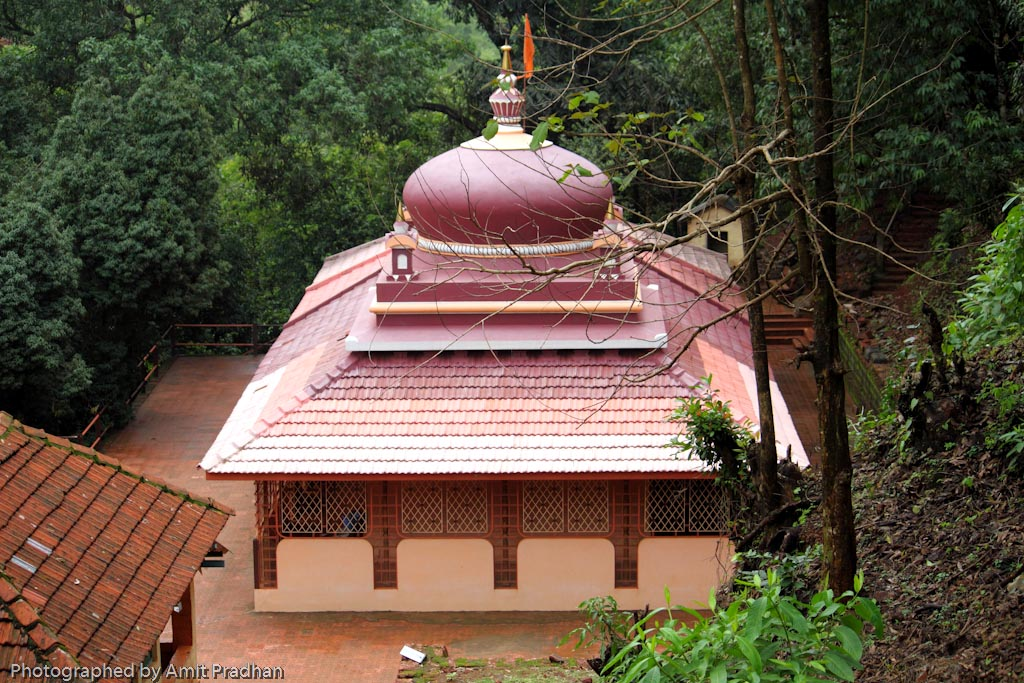 Laxmi keshav temple kolisare destination konkan for Konkan home designs