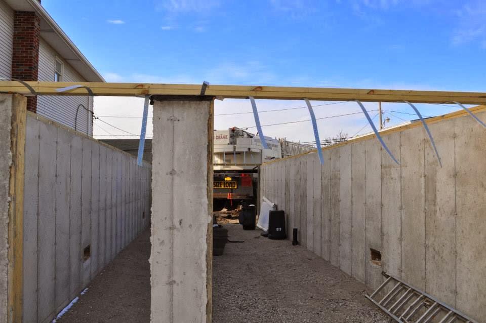 Modular home builder express modular builds a very narrow for Narrow modular homes