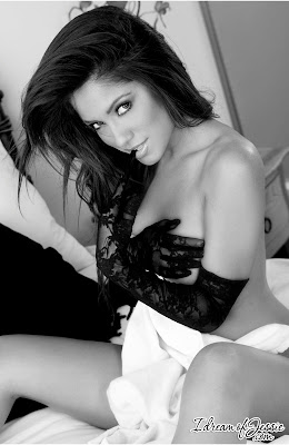 Jessica Burciaga - Hot in black and white - pic 1
