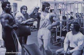 ROBBY ROBINSON, ARNOLD SCHWARZENEGGER, DENNY GABLE, ROGER CALLARD -  GOLD'S GYM '70S