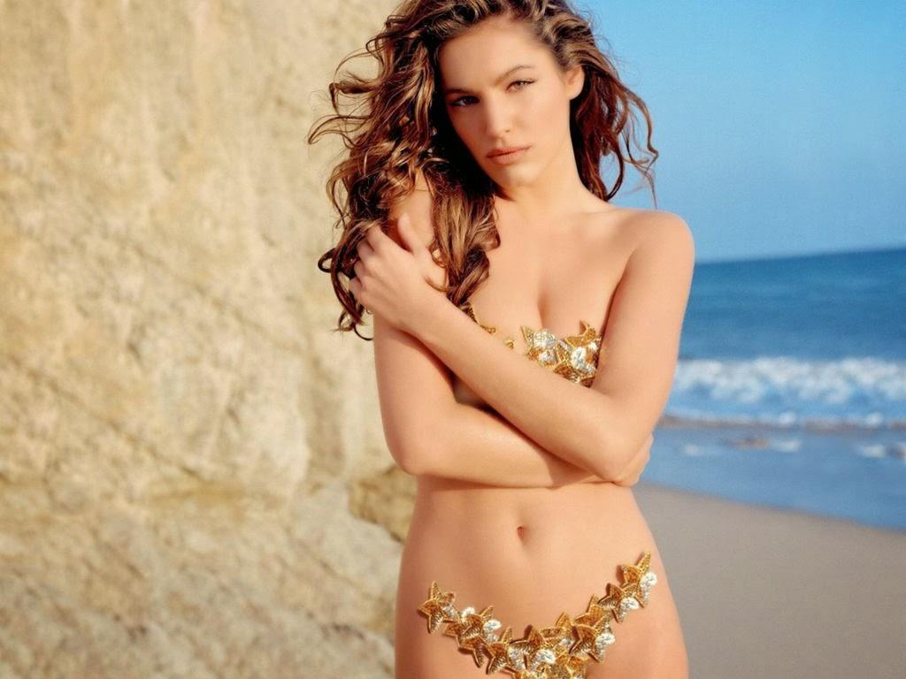 Kelly Brook hot model