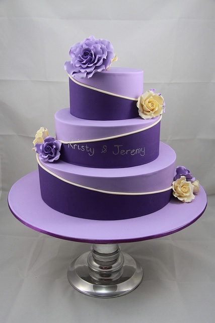Purple Colour Cake Images : Choose royalty with Purple Wedding Cakes / Wedding Cake ...