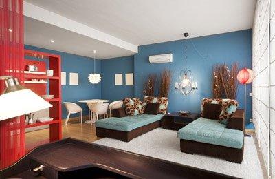 Moderna sala con amplios muebles combina con turqueza for Paginas de muebles y decoracion