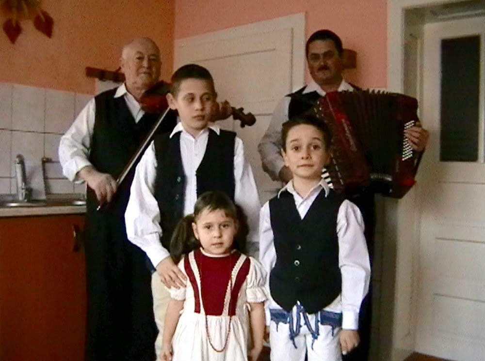 Sóvidéki zene és tánc - Ráduly Mihály és családja előadásában