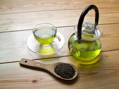 الشاي الأخضر يساعد على التخلص من ندبات حب الشباب بسرعة