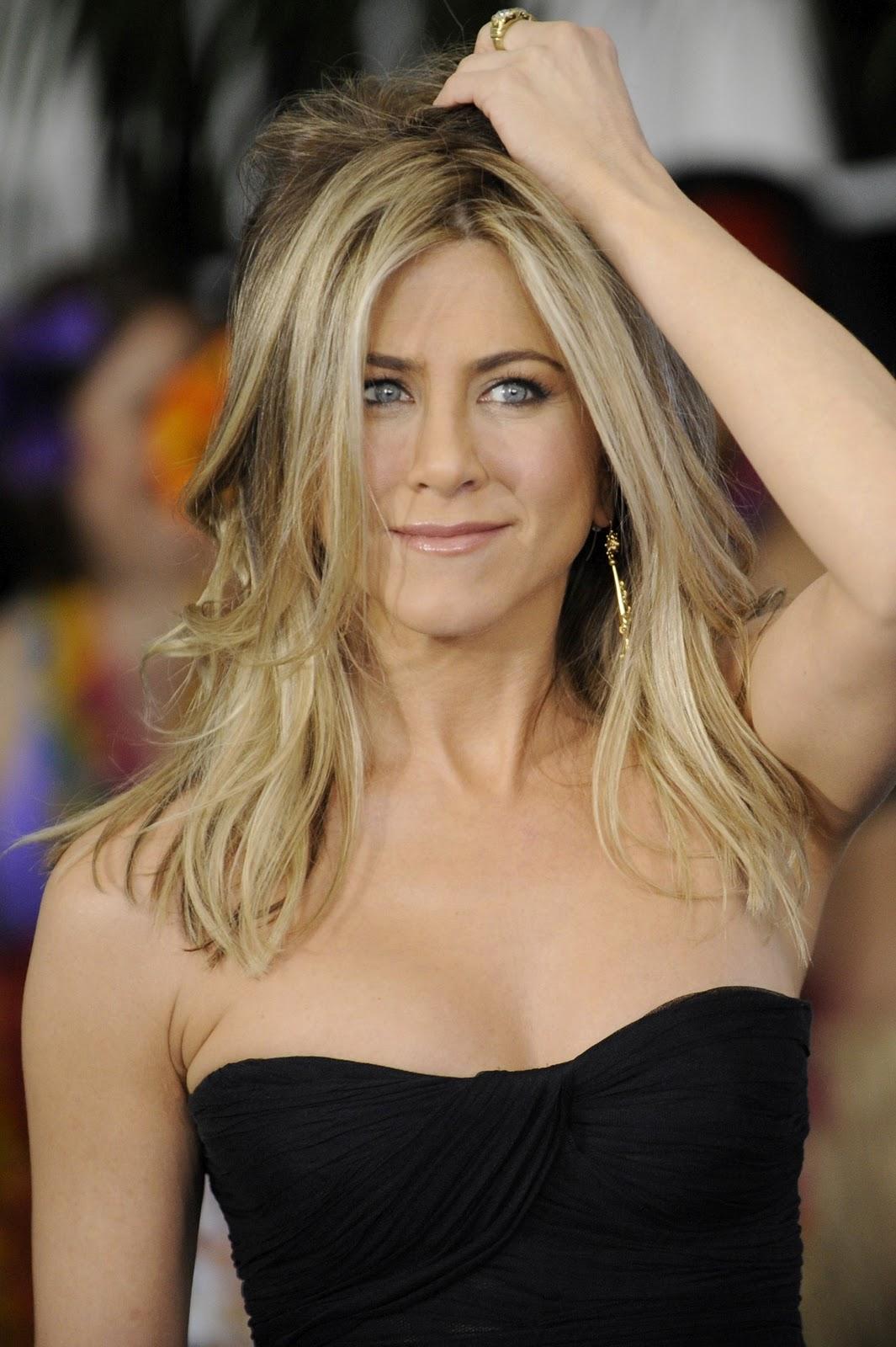 http://2.bp.blogspot.com/-F1NniF11X2M/TVQYhUjJQnI/AAAAAAAAPSc/NafMwt-6IqU/s1600/Jennifer-Aniston-1.jpg