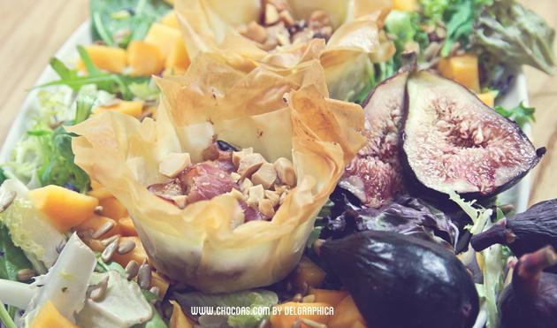 Cesta salada de pasta filo con relleno de higos y queso de cabra