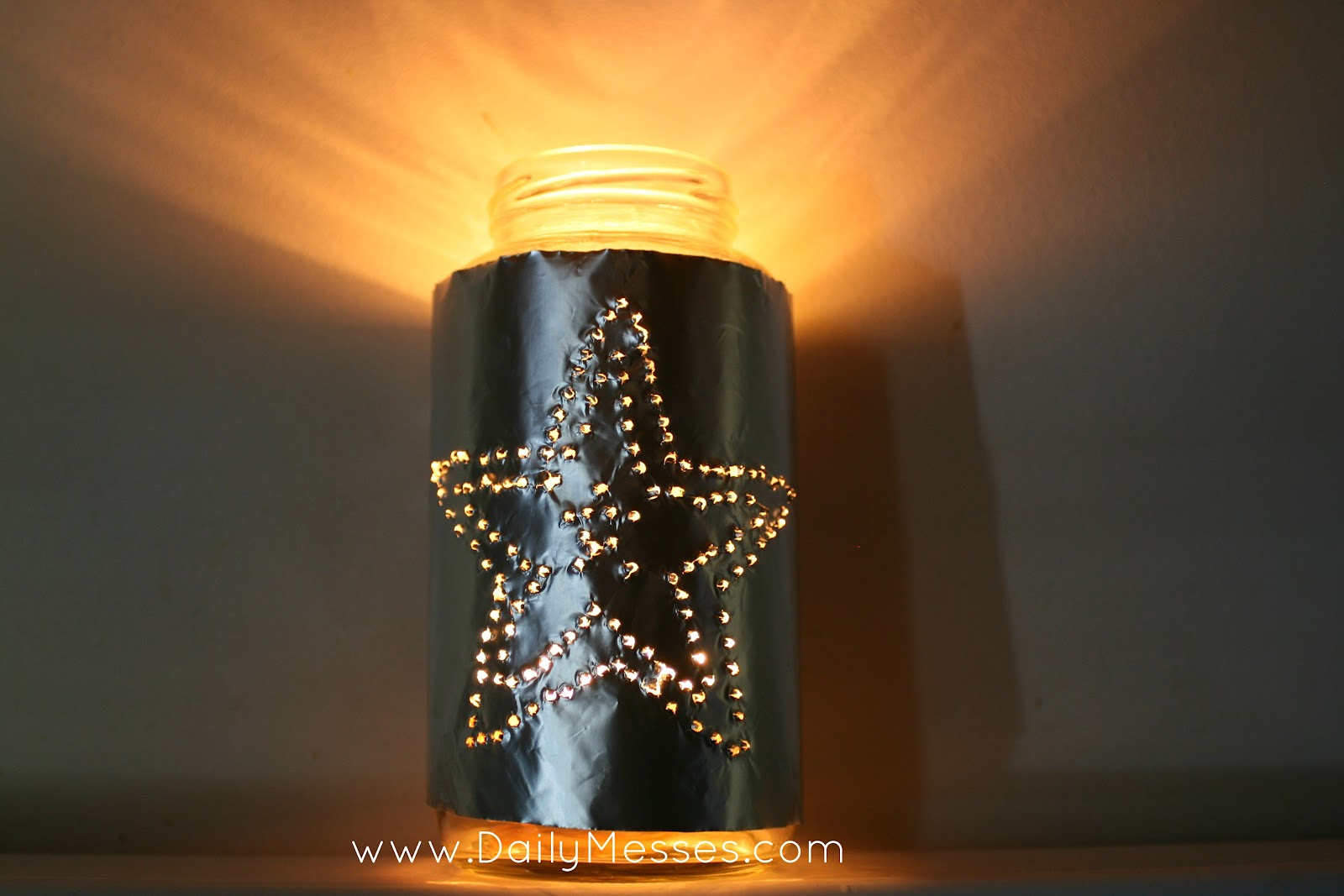 Daily messes easy christmas luminaries for Making luminaries