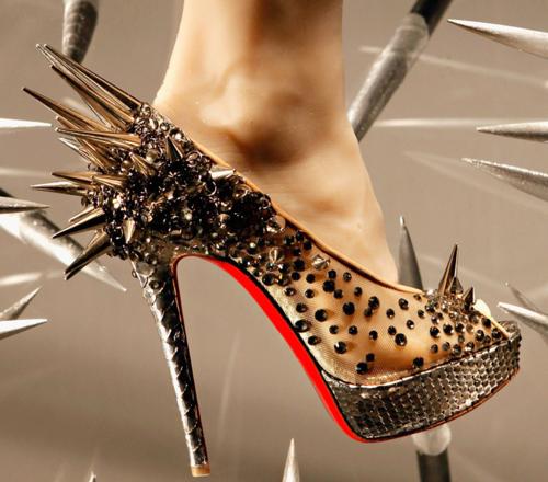 Zapatos de mujer sencillos y originales