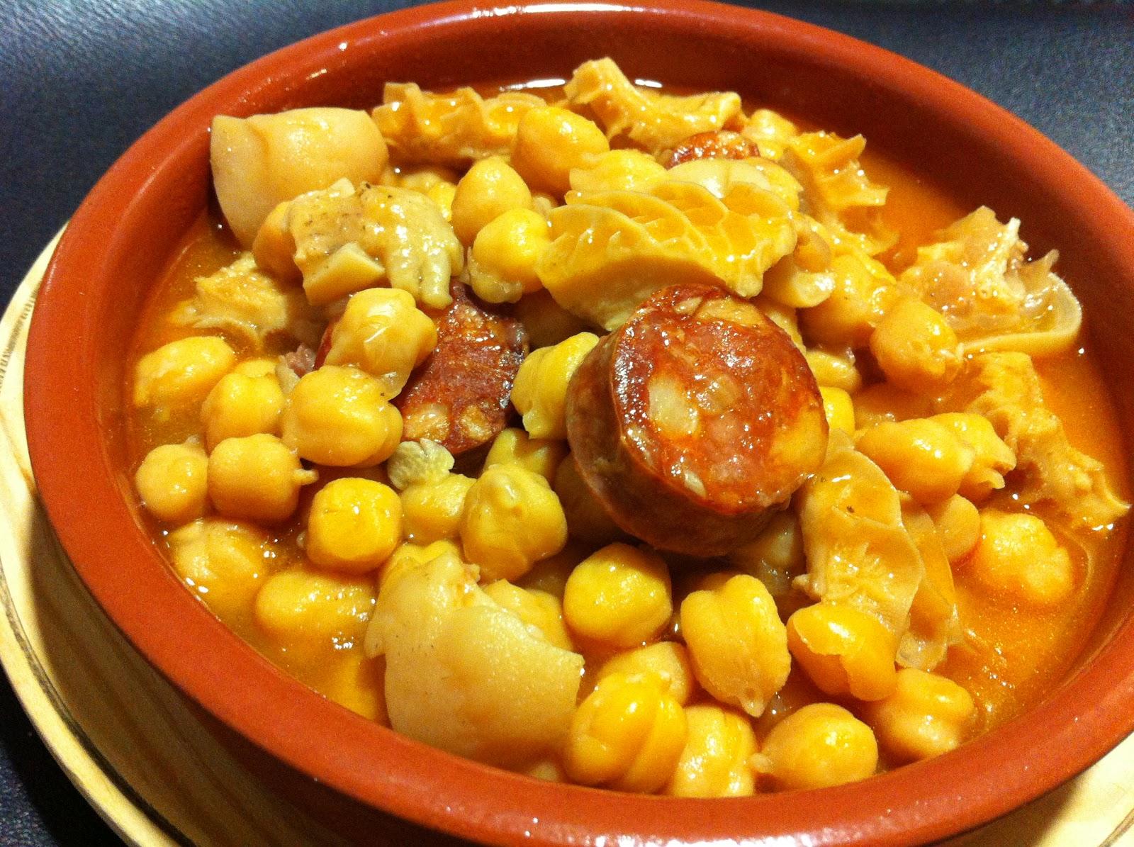 Mar a 39 s recipe book callos con garbanzos a la gallega for Cocinar raya a la gallega