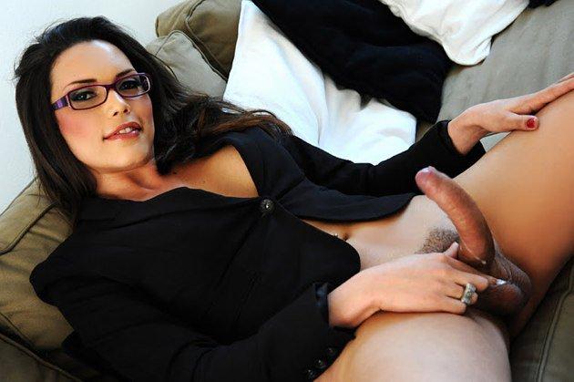 Симпатичный транс и девушка