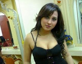 Most+Beautiful+Arab+girl+in+black+dress+in+her+Bedroom+Photos+006