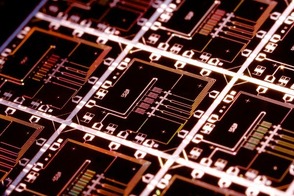 Researchers Create the First-Ever Quantum Device That Finds and Corrects Its Own Errors