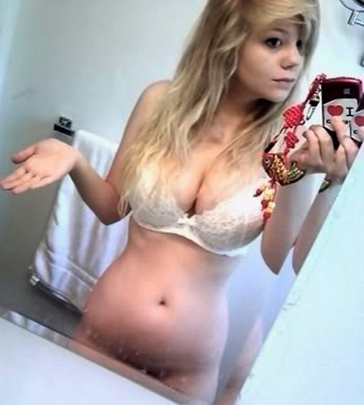 Thick white girls in shorts porn