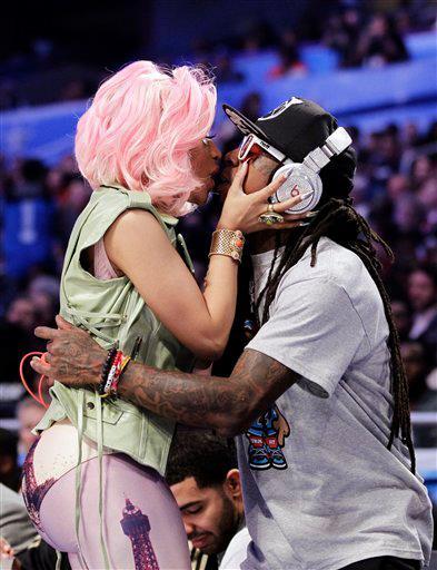 Foto: Lil Wayne beijando a Nicki Minaj
