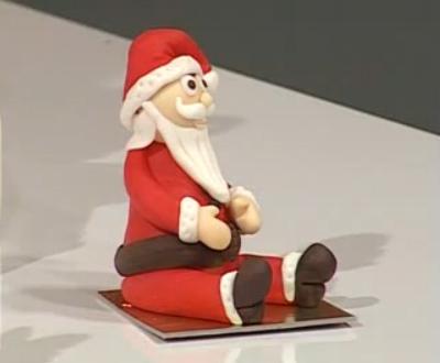 Renklendirilmiş Hamurdan Noel Baba Nasıl Yapılır - Videolu Tarifi