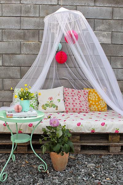 Palets Decoracion Terraza ~ Un rinc?n en la terraza con palets en tonos pastel Decoraci?n