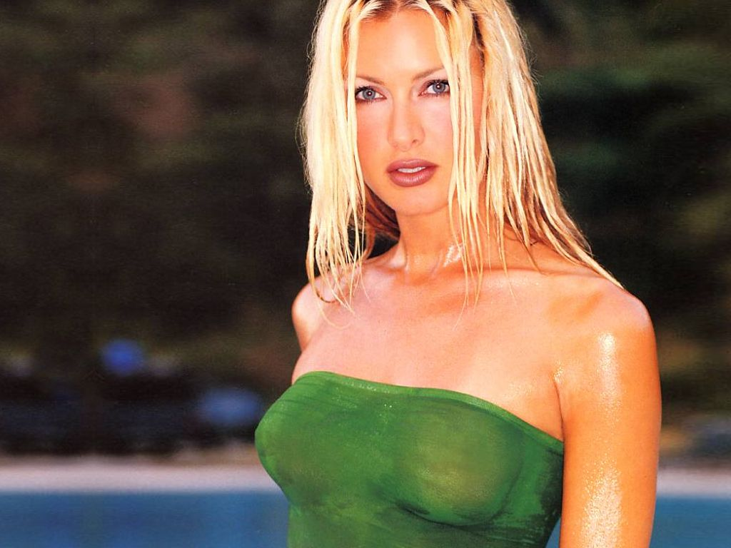 Allsoft Caprice Bourret Images