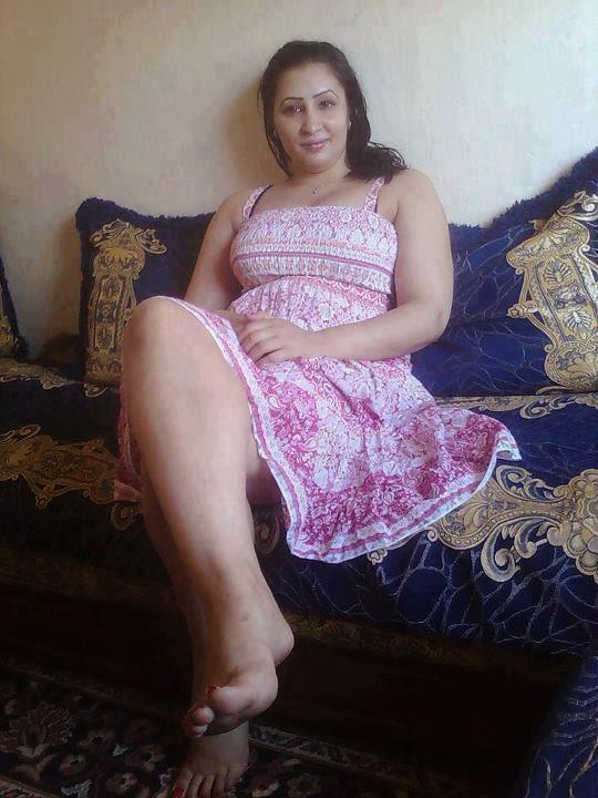 desi fun time arab aunties and beautiful girls images