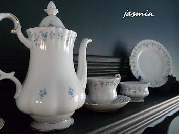 Porcelana w niezapominajki