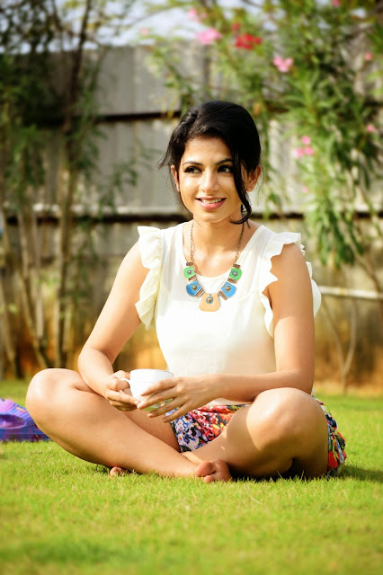 Actress Iswarya Menon Latest Pictureshoot Gallery 10.JPG