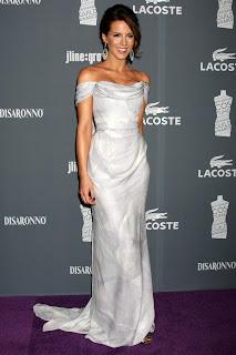 Kate Beckinsale Big Cleavage