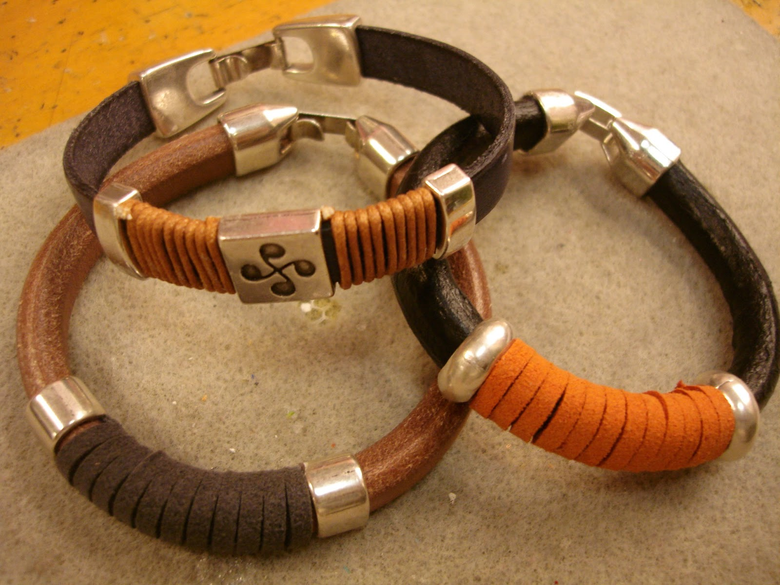imagenes de pulseras bisuteria - imagenes de pulseras | La Bisuteria Fotos de accesorios Aretes, Pulseras, Collares