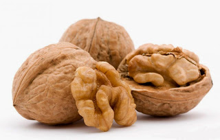 Walnuts May Help Slow Colon Cancer Growth