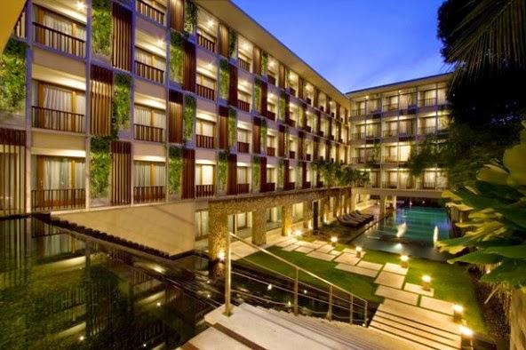 gambar hotel 101 tampak depan