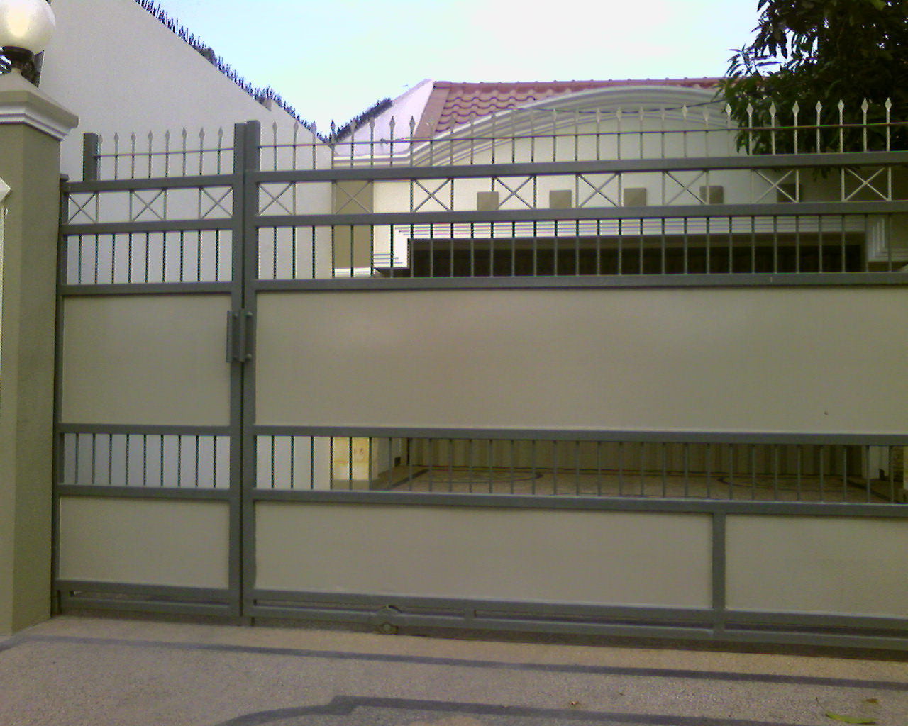 minimalist design iron fence houses free design news