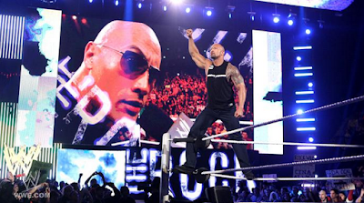 imagen del regreso de the rock al supershow de raw del 27 de febrero
