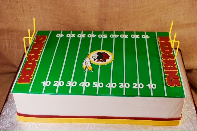 Cake Decorating Football Field : Cup a Dee Cakes Blog: Thanksgiving Football Cake