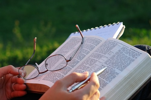Palavra de Deus: Útil para Corrigir