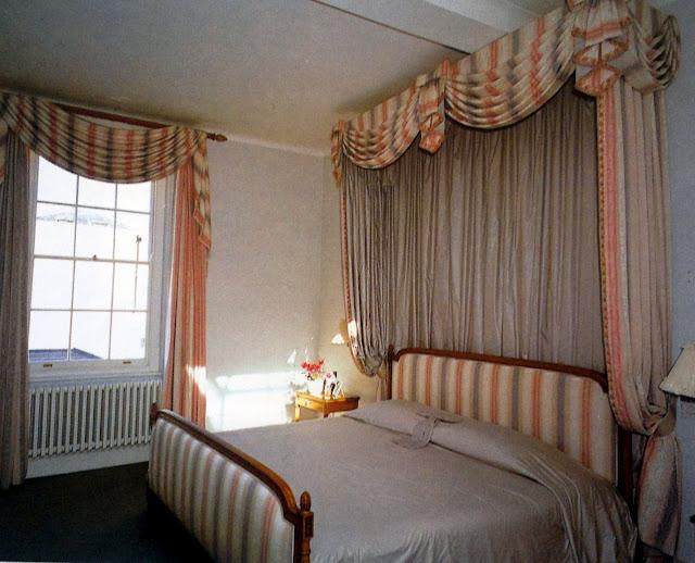 Archi tetti oggi voglio un letto a baldacchino for Mantovana letto